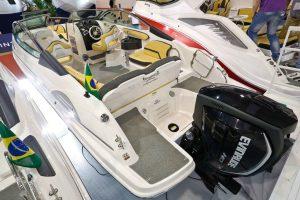 Motor de popa Evinrude G2 E-TEC equipa barco da Fibrafort