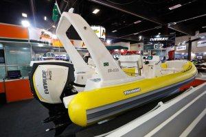 Motor de popa Evinrude G2 E-TEC equipa barco da Flexboat