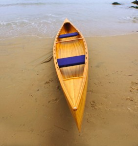 Canoa Canadense em madeira
